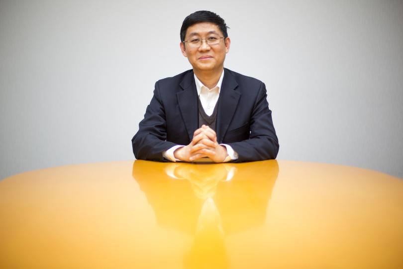 Feng Xuepei er klimakvotesjef i det kinesiske kullkraftselskapet Shenhua. Han er fornøyd med at Norge kjøper klimakvoter fra Kina.