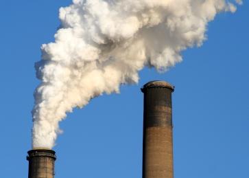 Erna Solberg vil kjøpe flere klimakvoter enn Stoltenberg (Foto: morgueFILE).