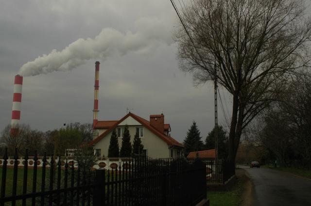 Kullkraftverket Siekierki utenfor Warszawa slipper ut 3 millioner tonn CO2 i året.